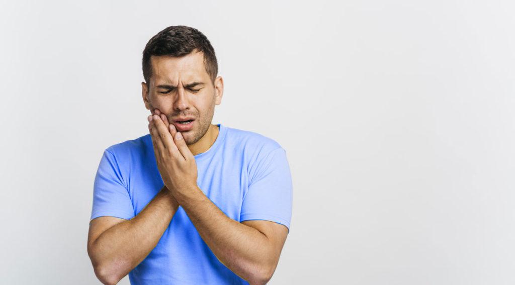 Cosa provoca il mal di denti: L'ascesso dentale